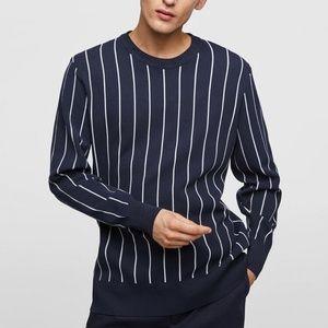 ZARA    Men's Navy Vertical Striped Crew Sweater